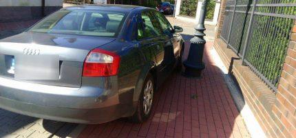"""""""Mistrz parkowania"""" stwarza niebezpieczeństwo dla pieszych?"""