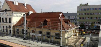 Startuje remont dachu grodziskiego dworca [FOTO]