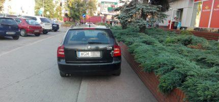 """""""Mistrzowie parkowania"""" na Sienkiewicza – kolejna odsłona"""
