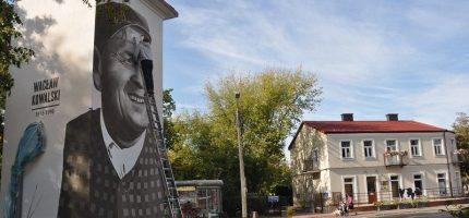 Znany aktor bohaterem muralu