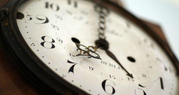 Koniec ze zmianą czasu w Polsce? Projekt PSL-u zaaprobowała komisja sejmowa
