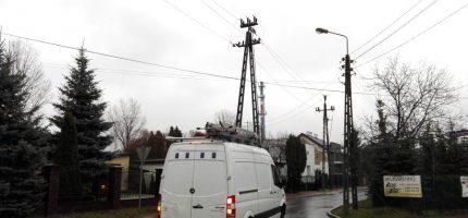Koparka uszkodziła przewód. 2,5 tys. domów bez prądu