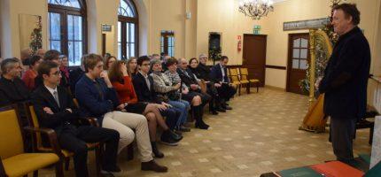 """Stypendia burmistrza rozdane, """"Najlepszy Sąsiad"""" wybrany"""