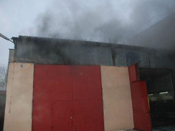 Pożar garażu grodziskiej OSP, czyli ćwiczenia strażaków