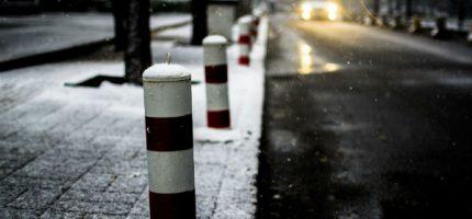 Zima, czyli kto powinien odśnieżyć chodnik?