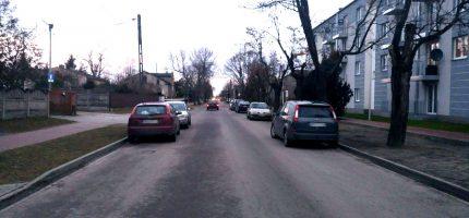 Parkowanie na Traugutta utrudnia ruch. Włodarze zapowiadają interwencję