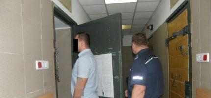Dwóch zatrzymanych za pobicie i groźby