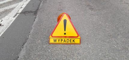 Wypadek na ul. Tarczyńskiej. Droga zablokowana