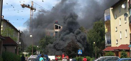 Widowiskowy pożar na osiedlu Bairda