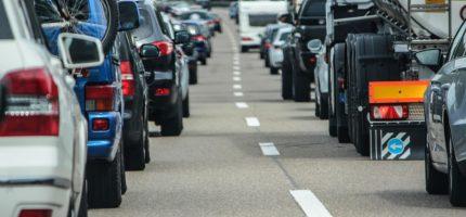 Malują oznakowanie poziome na grodziskich drogach. Dwa tygodnie utrudnień