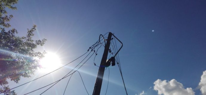 Po nawałnicy niektórzy mieszkańcy wciąż bez prądu