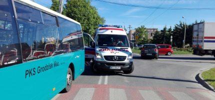 Poranny wypadek w Łąkach, dwie osoby ranne