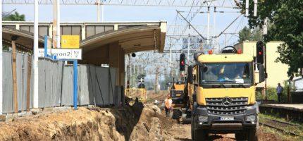 We wrześniu pociągi wrócą na tory podmiejskie – zgodnie z planem