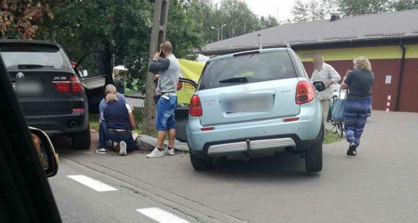 Kierowca suzuki wjechał do rowu. Zasłabł za kierownicą [FOTO]