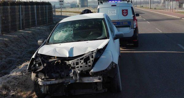 """Rozbite auto na Logistycznej. """"Stwarzało zagrożenie na drodze"""""""