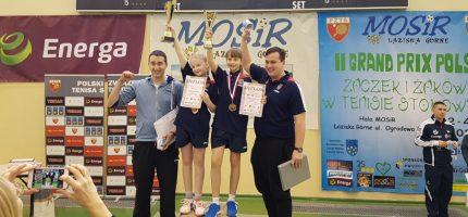 Medale młodych tenisistek Bogorii