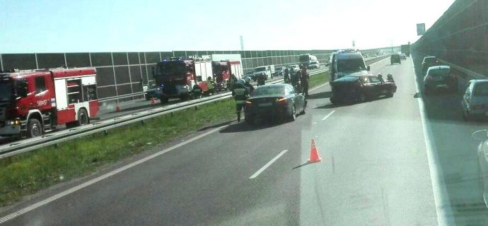 Poranny wypadek na A2. Duże korki na jezdni w kierunku Warszawy