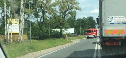 Groźne zderzenie quada z osobówką na drodze 719. Trasa zablokowana