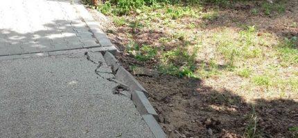 Magistrat: Kierowcy zniszczyli chodnik. Apel o nieparkowanie [FOTO]