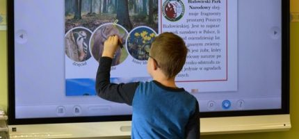 Podkowiańska szkoła z dofinansowaniem na interaktywne pomoce naukowe