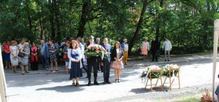 Oddali hołd żołnierzom AK poległym w Milanówku [FOTO]