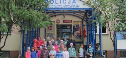 Uczniowie w odwiedzinach na policji [FOTO]