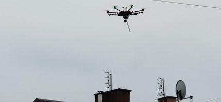 Drony kontrolują stan powietrza w gminie