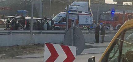 Zderzenie dwóch pojazdów na katowickiej. Lądował śmigłowiec LPR-u