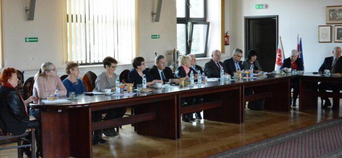 Rada seniorów doradzi burmistrzowi