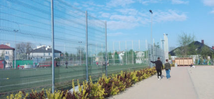 Uszkodzone ogrodzenie na grodziskim Orliku wymaga naprawy