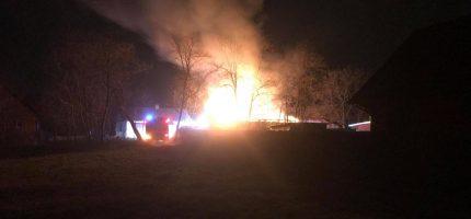 Nocny pożar w Żabiej Woli [FOTO]