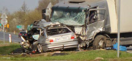 Tragiczny wypadek na drodze 92. Nie żyją dwie osoby