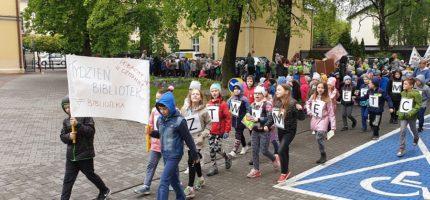 Dziecięcy marsz z zaskoczenia [FOTO]