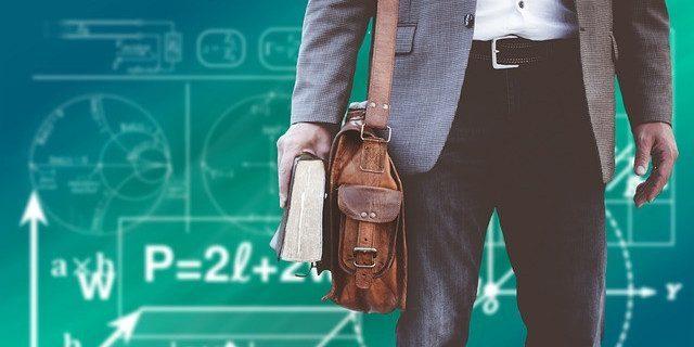 Mazowsze nagrodzi innowacyjne szkoły i kreatywnych nauczycieli. Zgłoś się po kasę