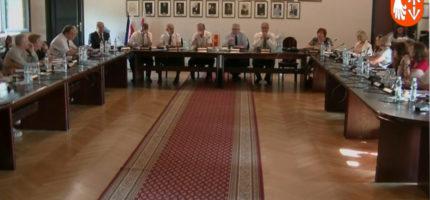 Zarząd powiatu z wotum zaufania i absolutorium