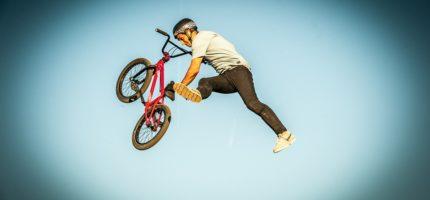 Przetargowe wyboje na drodze do budowy toru rowerowego. Jak je pokonać?