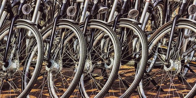 Wiaty rowerowe za 300 tys. zł