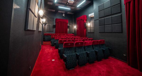 Seanse w Kinie Wolność zawieszone, pokazy filmowe tylko do czwartku