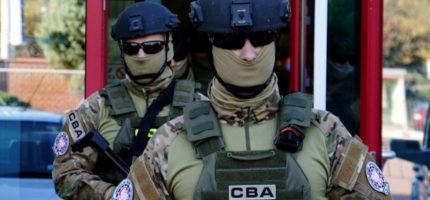 Duża akcja CBA w Wólce Kosowskiej. Agenci rozbili międzynarodową grupę przestępczą