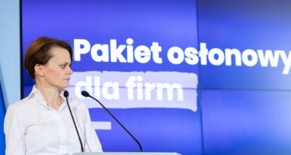 """Minister Emilewicz o scenariuszach """"odmrażania"""" gospodarki"""