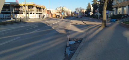 Ruch na ulicach mniejszy, ale policja apeluje o ostrożność