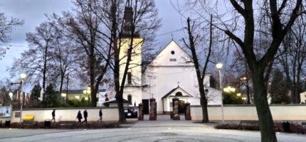 Transmisje niedzielnych mszy świętych z lokalnych kościołów