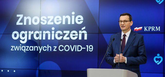 Premier: Od 18 maja trzeci etap luzowania obostrzeń