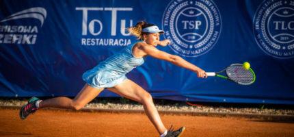 Tenisiści w Kozerkach walczą w najlepsze. Zobacz zdjęcia z turnieju!