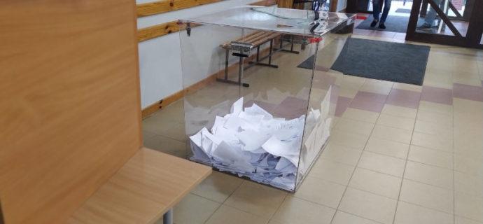 Dziś wybory w gminach Baranów i Żabia Wola