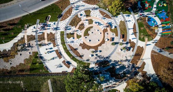 """Park przy Bałtyckiej z tytułem """"Modernizacja roku 2020""""!"""